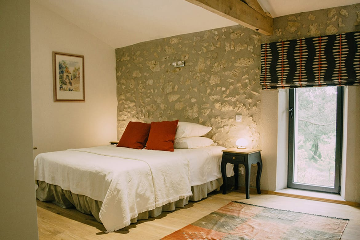 Larrouze luxury accommodation bedroom